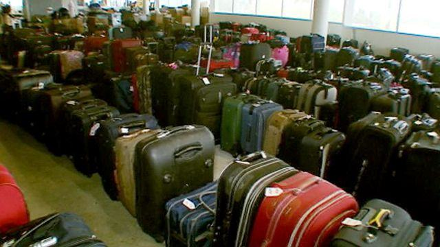 Make money by buying lost baggage in London