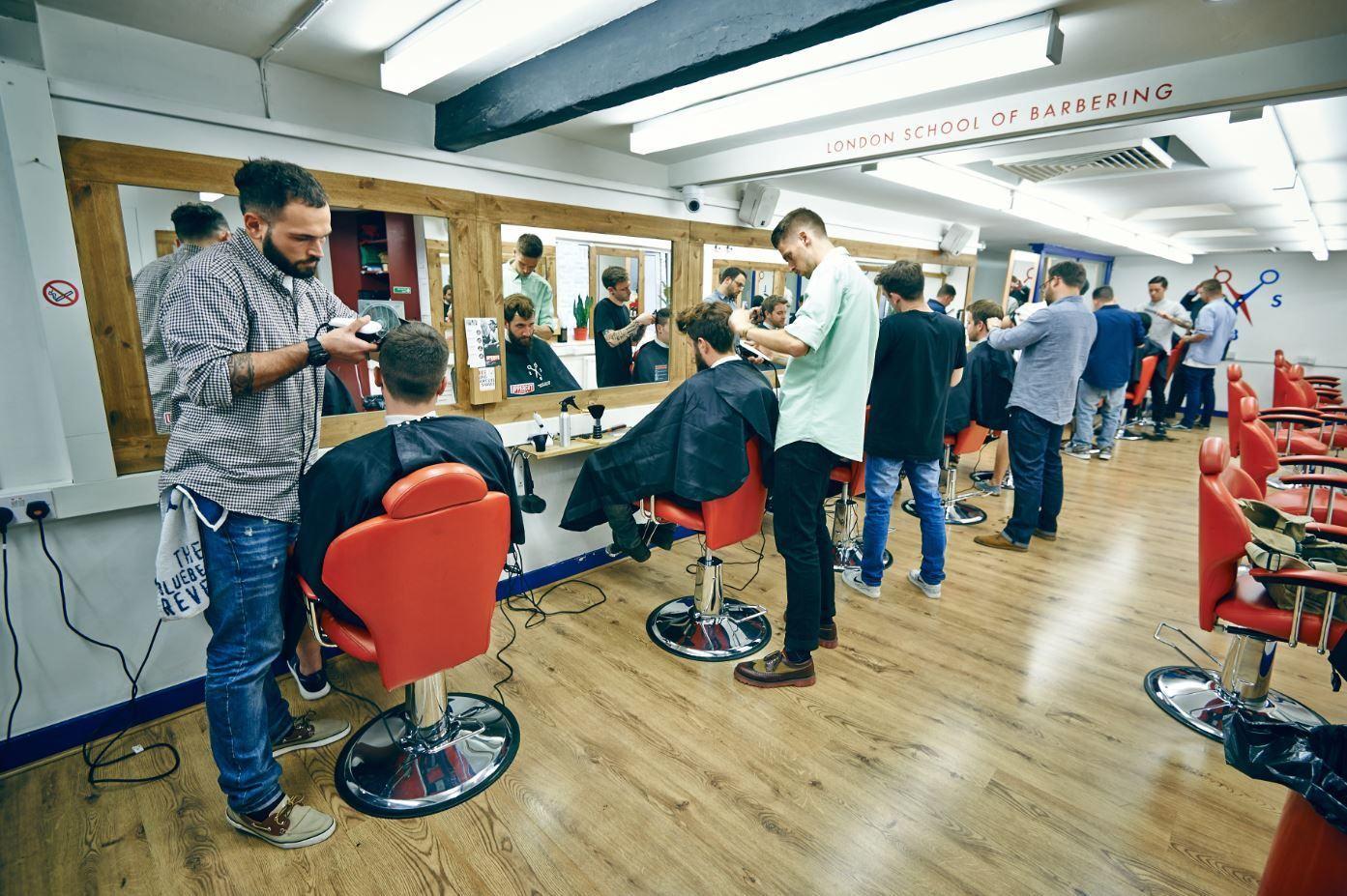 Barber Classes : London School of Barbering Free Haircuts - BrokeinLondon