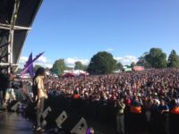 Kenyatta Hill and crowd at Lambeth Country Show