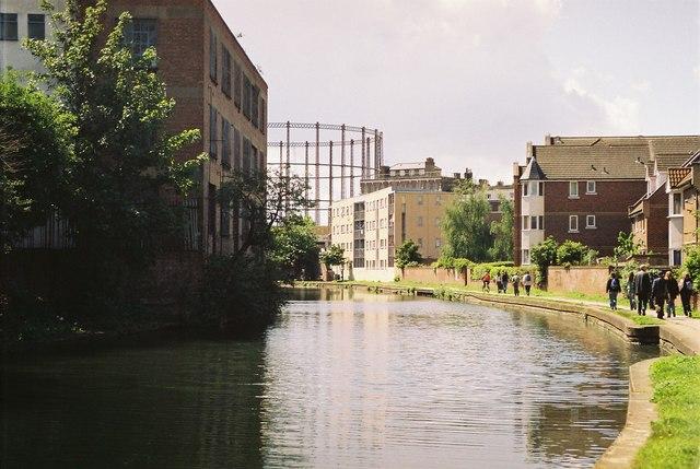 Regent's Canal west of Victoria Park