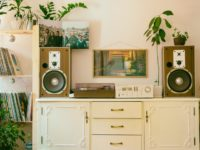 Top Ways To Decorate Your London Flat In 2021 - On A Budget!
